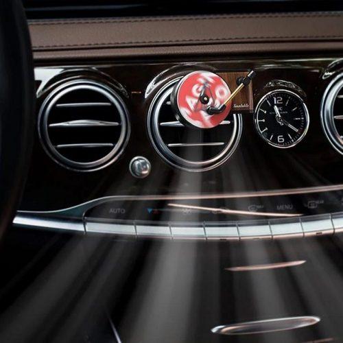 Rotating Turntable Car Air Freshener - Display 1